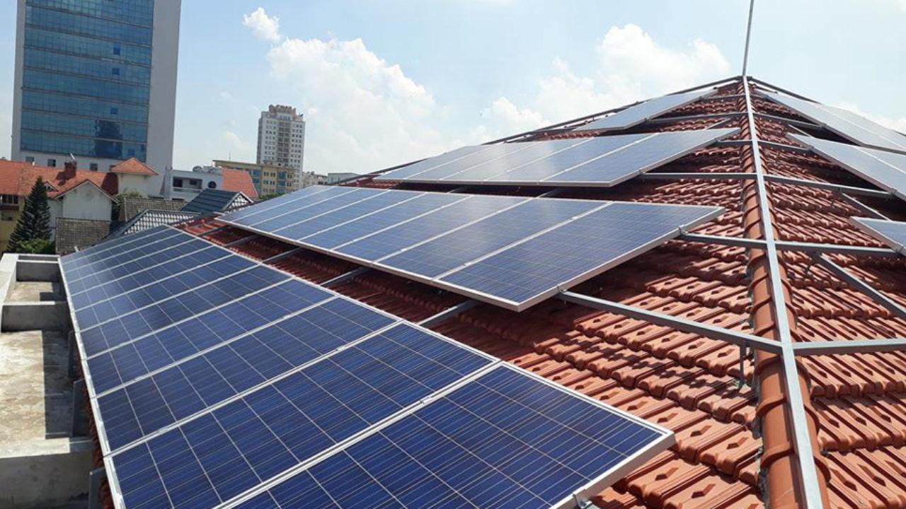 bảng giá thi công điện mặt trời áp mái uy tin